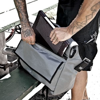 Mission Workshop - Rummy Roll Top Messenger Bag black silver buckle